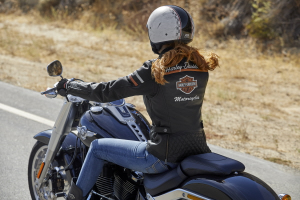 L'imposition du certificat CE passée par les vêtements Harley-Davidson