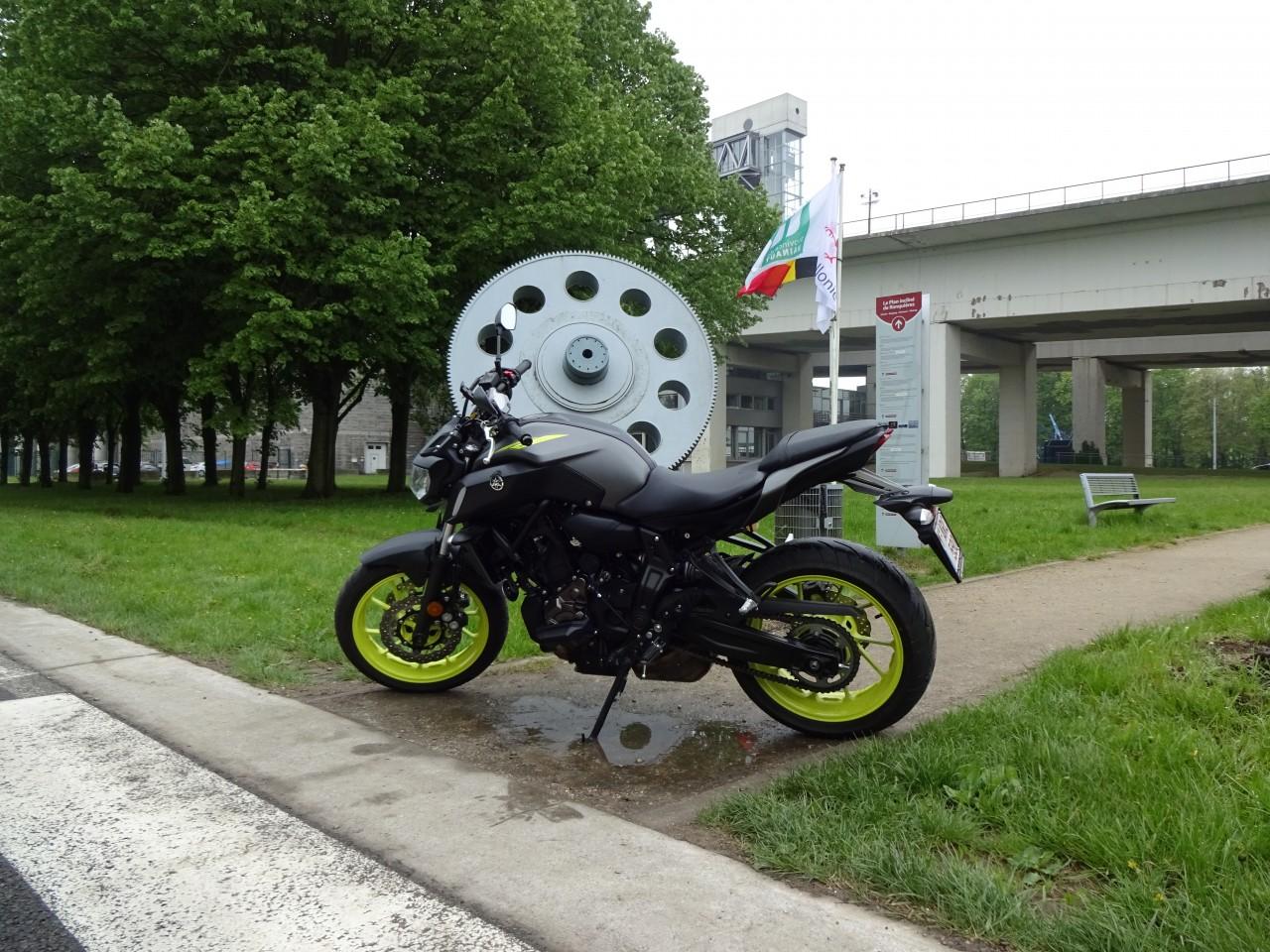 roadster objectif moto. Black Bedroom Furniture Sets. Home Design Ideas