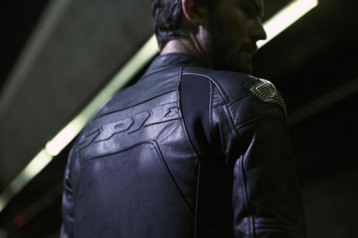 Le Neo-rétro version cuir selon Spidi