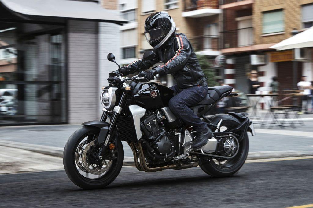 Honda CB1000R: à part?