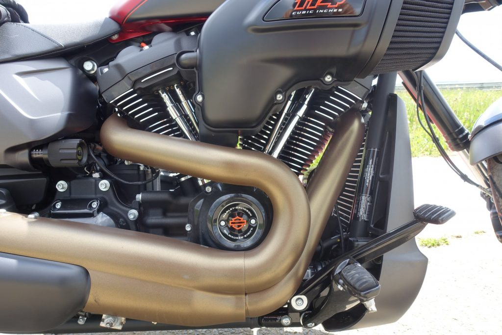 Harley-Davidson FXDR 114 : Harley Dragster style