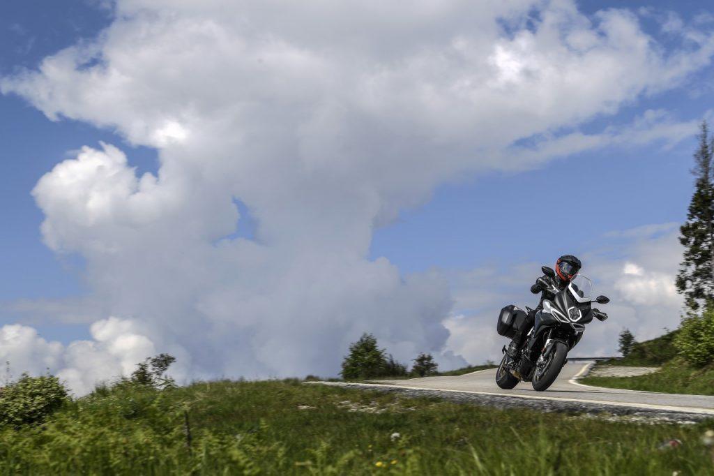 MV Agusta Turismo Veloce: ceci n'est pas un trail!