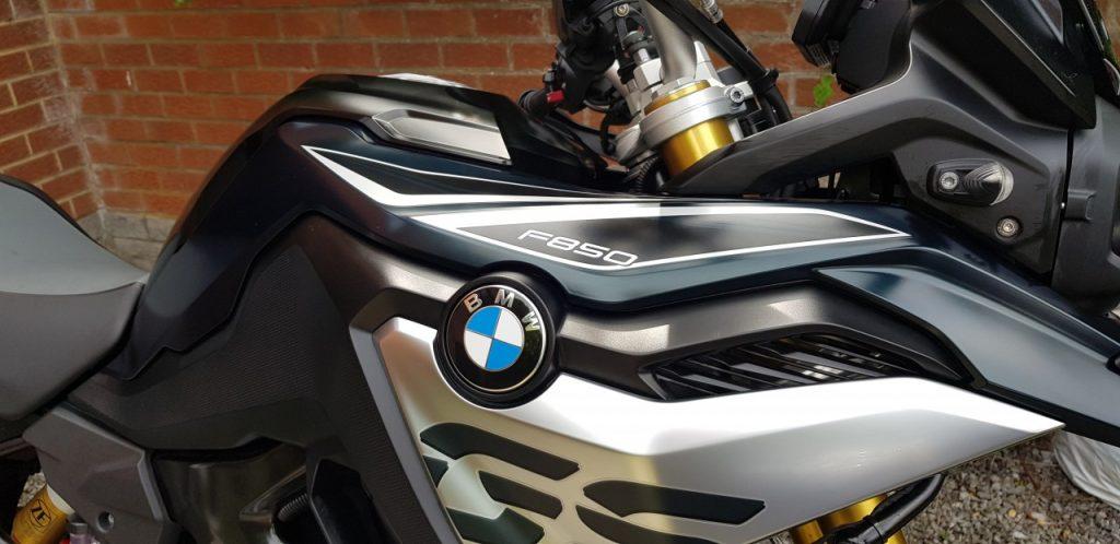 Nettoie ta moto avec Unpass