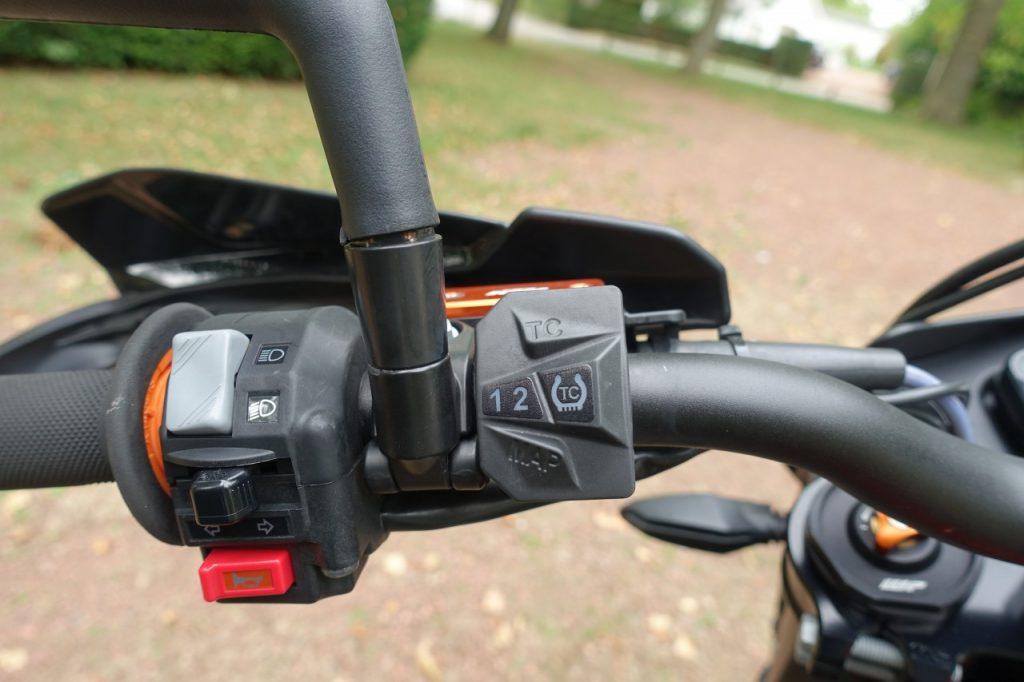 KTM 690 SMC R, à peine civilisée