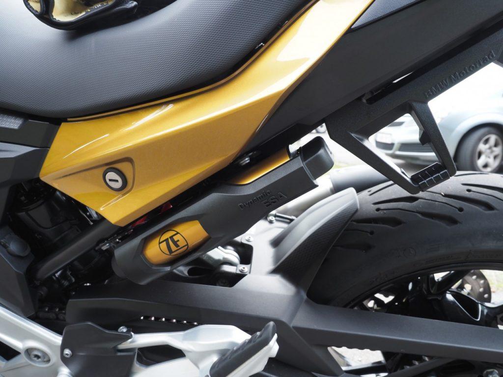 BMW F900 XR, le chaînon manquant