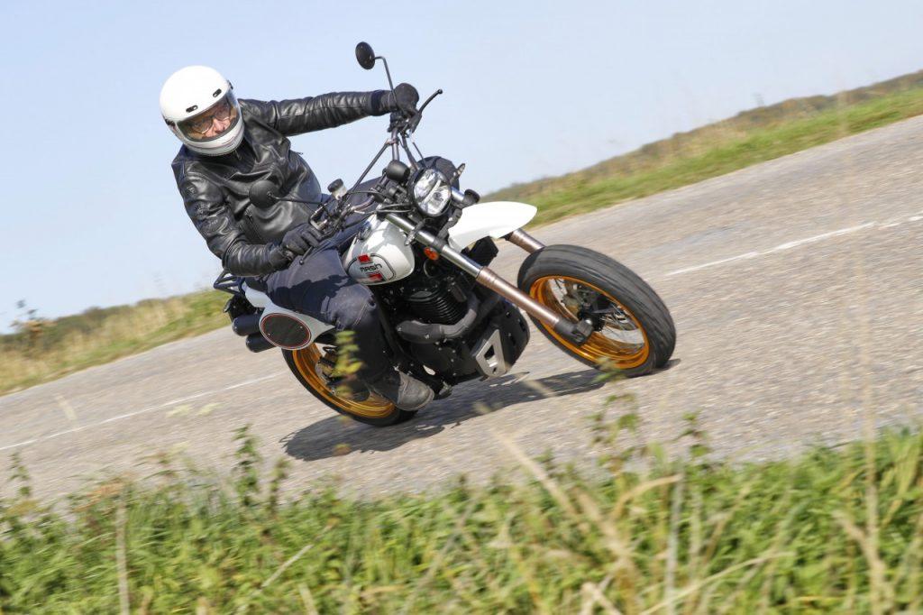 Présentation Presse Mash X-Ride 650 et découverte gamme Rieju