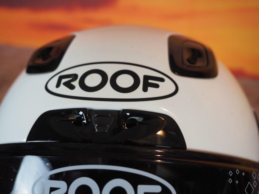 Mettez les gaz avec le Roof RO200 fibre !
