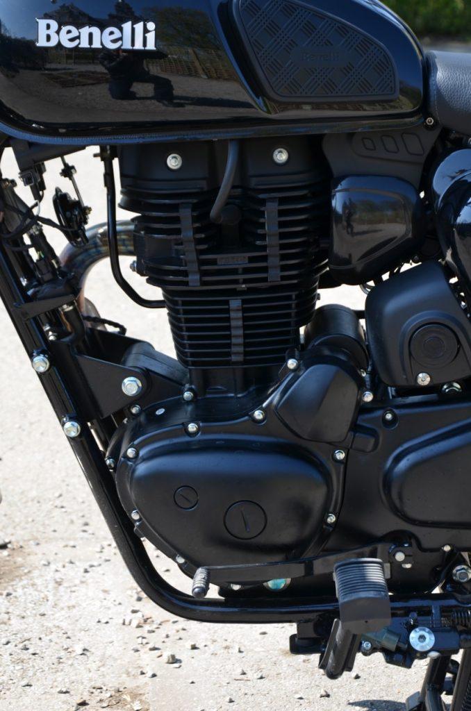 Benelli Impériale E5 - L'alternative Néo-Rétro Benelli-Imperiale-moteur-2-3-678x1024