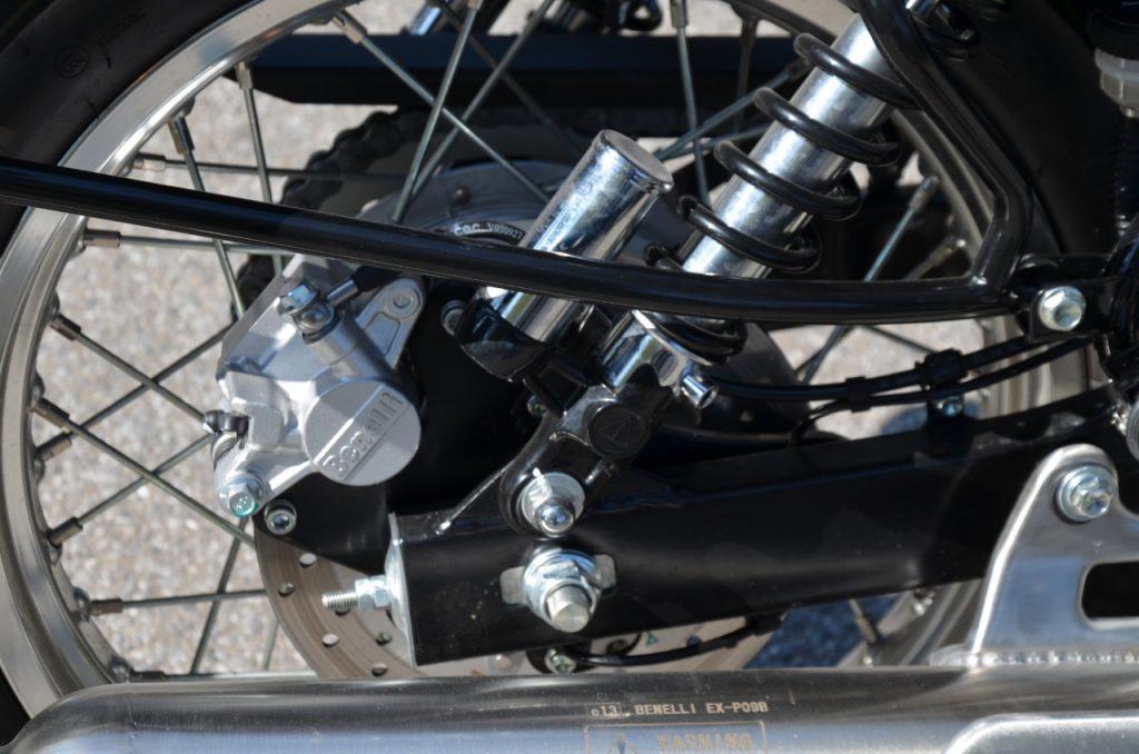 Benelli Impériale E5 - L'alternative Néo-Rétro Imperiale-amortisseurs-1024x678